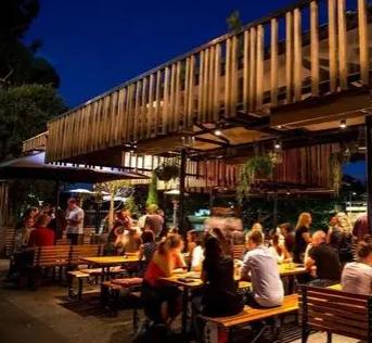墨尔本的餐饮场所被评为世界上最好的场所之一