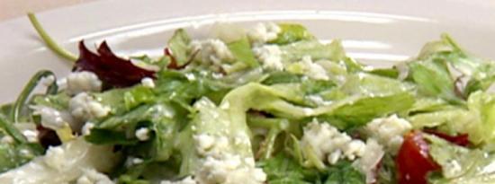 Mesclun 蔬菜沙拉配蔓越莓干、马斯卡彭饺子和香槟香醋