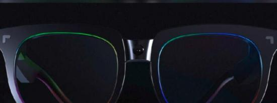 TCL Thunderbird智能眼镜配备微型LED显示屏
